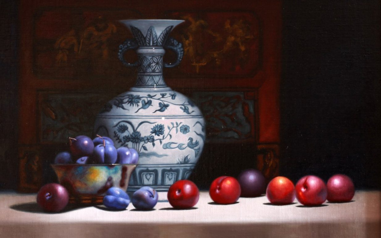 slide_Blue_plums_and_Chinese_Vase_Oil_on_linen_H58cm_x_w_70cm_Vicki Sullivan
